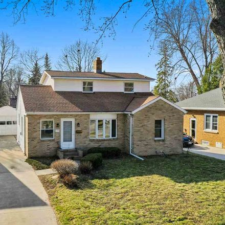 Rent this 3 bed house on 154 Reimer Street in Green Bay, WI 54302