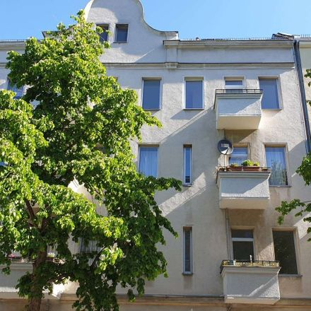 Rent this 2 bed apartment on Zobeltitzstraße 94 in 13403 Berlin, Germany