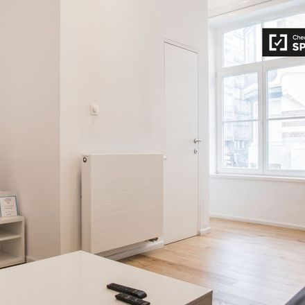 Rent this 1 bed apartment on Rue Saint-Bernard - Sint-Bernardusstraat 96 in 1060 Saint-Gilles - Sint-Gillis, Belgium