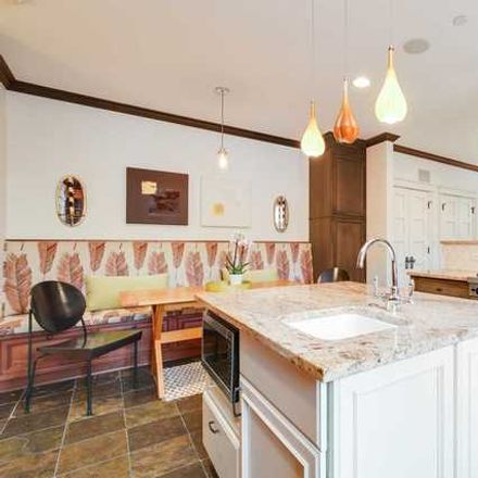 Rent this 5 bed house on 510 West Arlington Place in Chicago, IL 60614