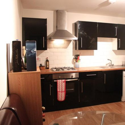Rent this 2 bed apartment on 176 Commercial Road in London E1 2JY, United Kingdom