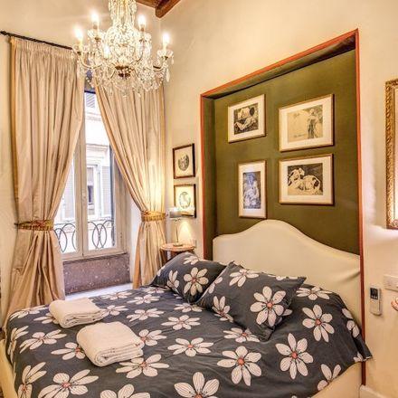 Rent this 2 bed apartment on Gelateria dei Gracchi in Via di San Pantaleo, 61