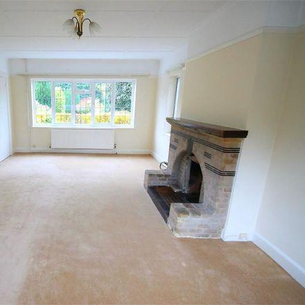 Rent this 5 bed house on Parkway in Surrey Heath GU15 2PE, United Kingdom