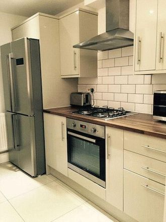 Rent this 6 bed house on Victoria Road in Middlesbrough TS1 3HY, United Kingdom