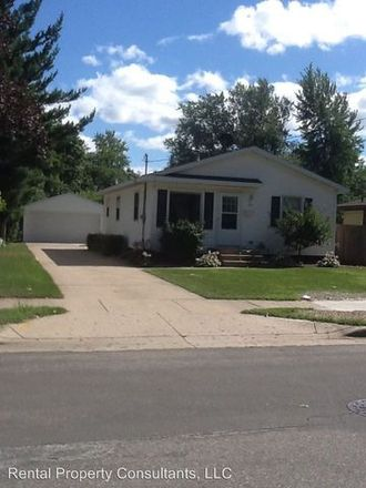 Rent this 3 bed apartment on West Kelloggsville Elementary School in 4555 Magnolia Avenue Southwest, Wyoming