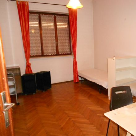 Rent this 2 bed room on Via Claudio Beaumont in 36, 10138 Torino TO