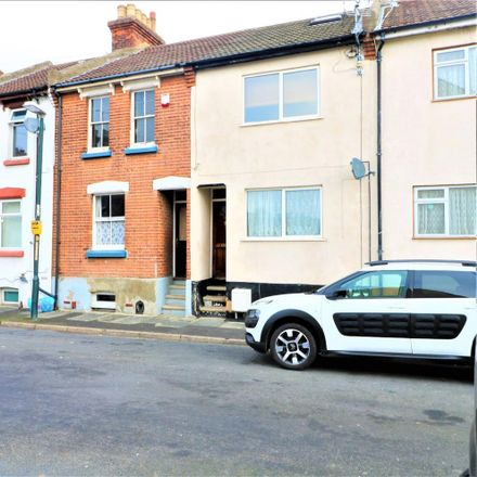 Rent this 1 bed apartment on First Avenue in Chatham ME4 5AT, United Kingdom