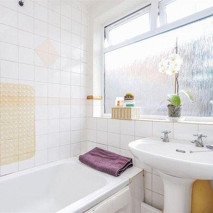 Rent this 4 bed room on Ainsworth Road in London CR0 3SF, United Kingdom