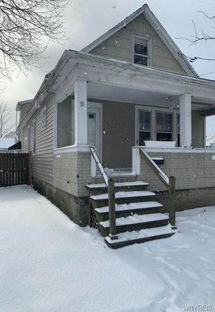 Rent this 3 bed house on 33 1st Avenue in North Tonawanda, NY 14120