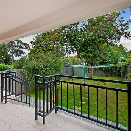 Rent this 3 bed duplex on 22 Cabramatta Road