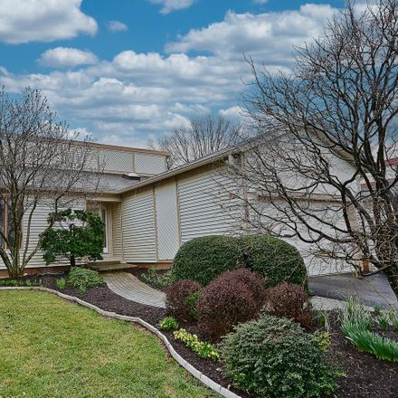 Rent this 4 bed house on Hollis Ln in Vienna, VA