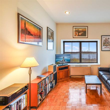 Rent this null bed condo on Greene St in Jersey City, NJ