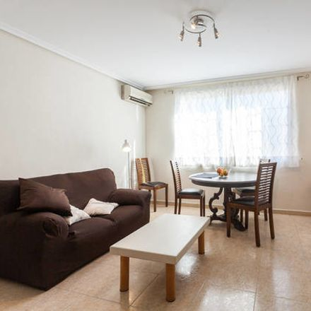 Rent this 4 bed room on Carrer de Francisco Moreno Usedo in 25, 46018 València