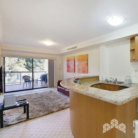 Rent this 3 bed apartment on 16/16 Kings Park Road
