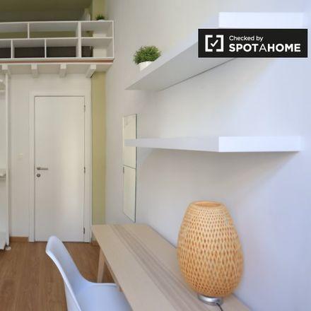 Rent this 5 bed apartment on Rue du Fort - Fortstraat 77 in 1060 Saint-Gilles - Sint-Gillis, Belgium