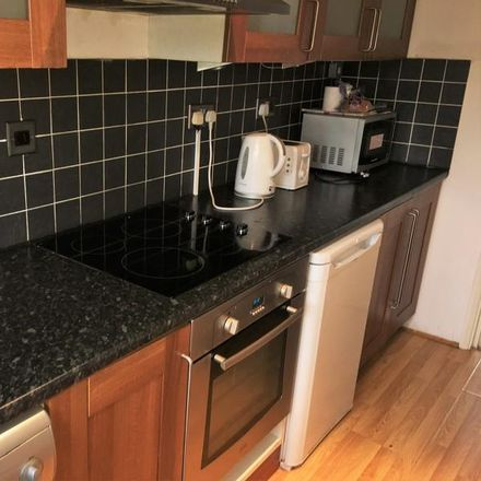 Rent this 1 bed apartment on Tina's Supermarket in 46 Oliver Road, London E10 5JY