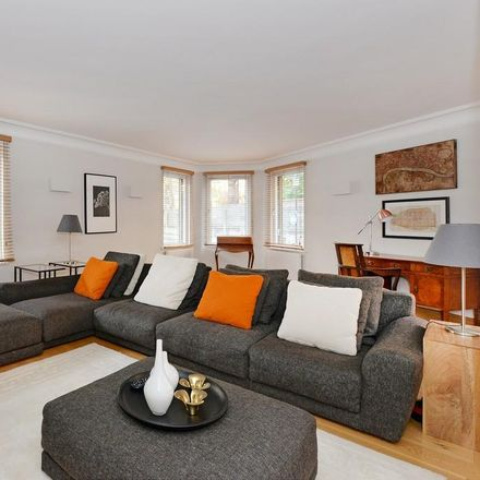 Rent this 2 bed apartment on London SW1W 8NR