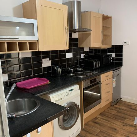 Rent this 2 bed room on Manchester Road in Kirklees HD4 5SQ, United Kingdom
