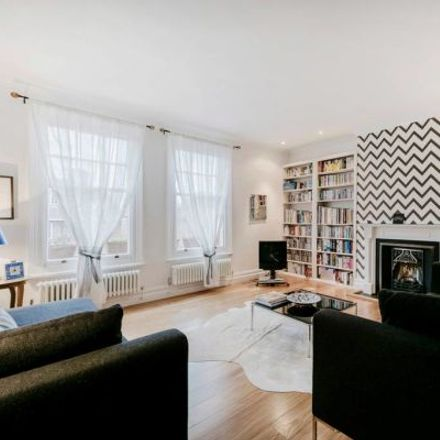 Rent this 3 bed apartment on 113 Beaufort Street in London SW3, United Kingdom