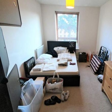 Rent this 2 bed apartment on Howlands Court in Commonwealth Drive, Crawley RH10 1AL