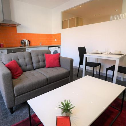 Rent this 1 bed apartment on Yello Fun Bar in Anlaby Road, Hull HU1 2NR