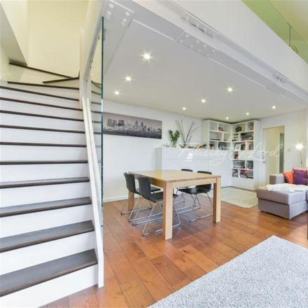 Rent this 2 bed apartment on The Circle in Queen Elizabeth Street, London SE1 2JE