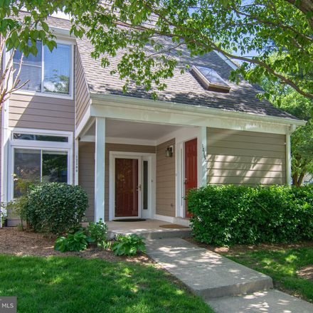 Rent this 2 bed condo on 12300 Strong Court in Chantilly, VA 22033