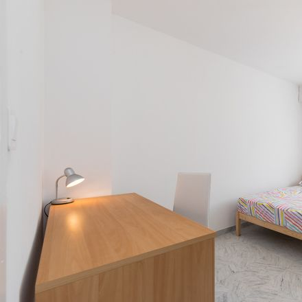 Rent this 3 bed room on 7 Rue Sorgentino in 06300 Nice, France