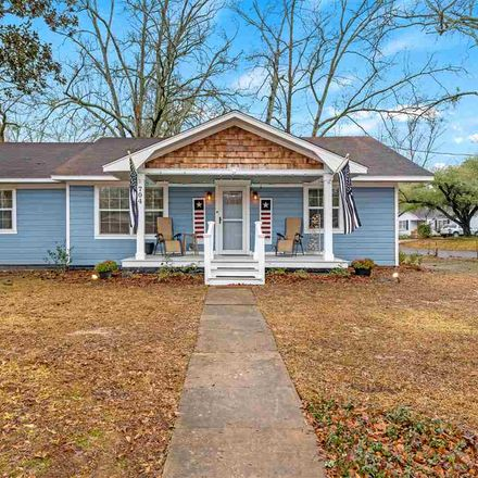 Rent this 3 bed house on Leach St in Kilgore, TX