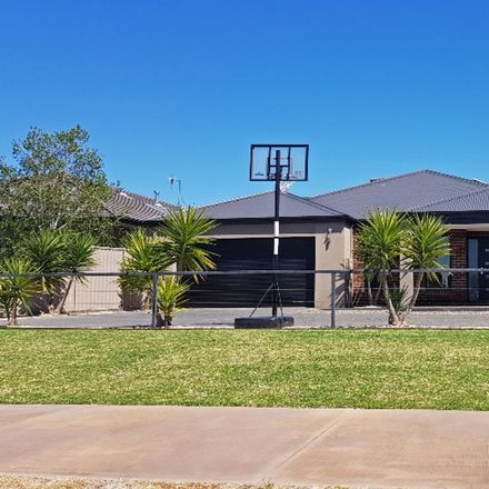Rent this 4 bed house on 13 Cardinia Court