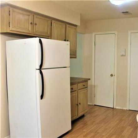 Rent this 2 bed condo on Sharon Ct in Woodbridge, NJ