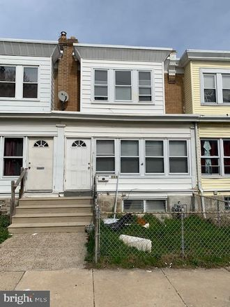Rent this 3 bed townhouse on 113 Wayne Avenue in Collingdale, PA 19023