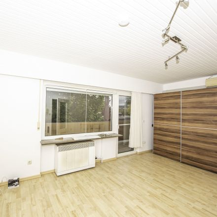 Rent this 1 bed apartment on Taunusstraße 27a in 65760 Eschborn, Germany