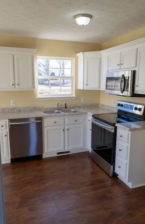 Rent this 3 bed house on 772 Shelby Lynn Drive in Springfield, TN 37172