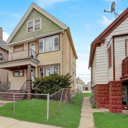 Rent this 4 bed duplex on 2671 South 9th Street in Milwaukee, WI 53215