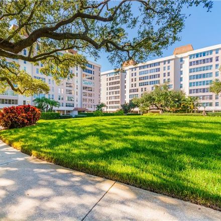 Rent this 3 bed condo on 2405 South Ardson Place in Tampa, FL 33629