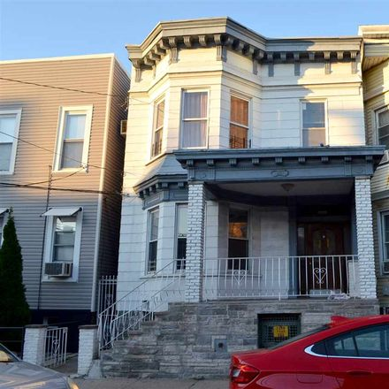 Rent this 3 bed townhouse on 721 25th Street in Union City, NJ 07087