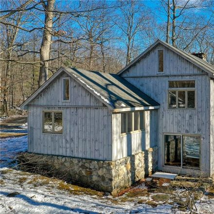 Rent this 2 bed house on 31 Jones Road in Town of Shawangunk, NY 12566
