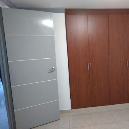 Rent this 5 bed apartment on Carrera 27 in Los Cambulos, Comuna San José