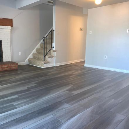 Rent this 3 bed townhouse on 944 Park Avenue in Herndon, VA 20170