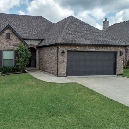 Rent this 3 bed house on 2435 South Narcissus Court in Broken Arrow, OK 74012