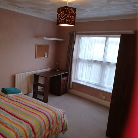 Rent this 4 bed room on The Dungeon in Mount Pleasant Road, Southampton SO14 0EF