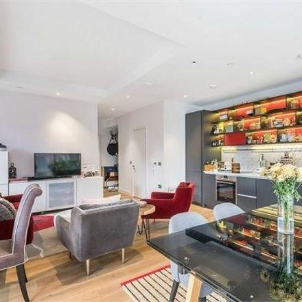 Rent this 2 bed apartment on Grantham House in 46 Botanic Square, London E14 0NJ