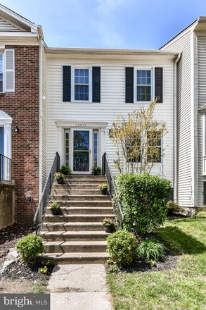 Rent this 3 bed townhouse on 13831 Wakley Court in Centreville, VA 20121