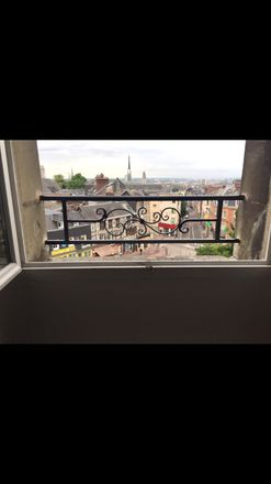Rent this 2 bed room on 65 Place Beauvoisine in 76000 Rouen, France