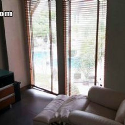 Rent this 4 bed house on Bangkok Clinic in Thappraya Road, Jomtien