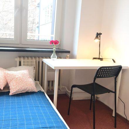 Rent this 2 bed room on Marszałkowska 68 in 00-545 Warszawa, Poland