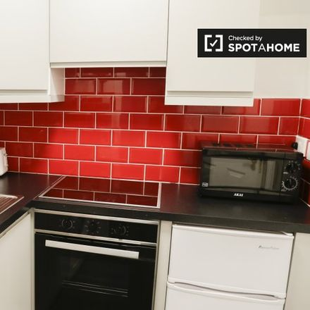 Rent this 1 bed apartment on Charleville Lodge in 270 North Circular Road, Arran Quay B ED