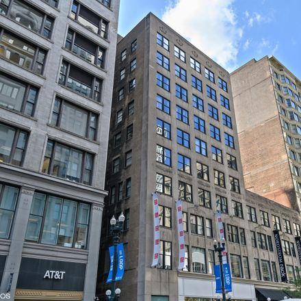 Rent this 1 bed condo on 20 North State Street in Chicago, IL 60602