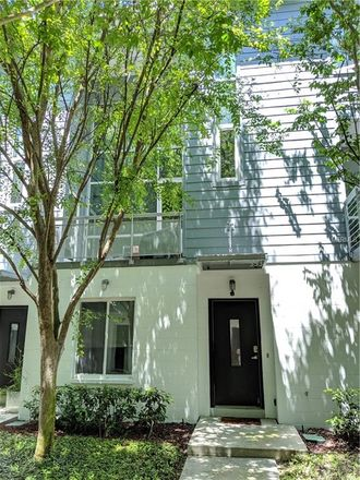 Rent this 3 bed townhouse on 4th Ave S in Saint Petersburg, FL